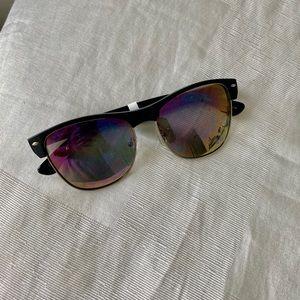 Accessories - Sunglasses 🕶